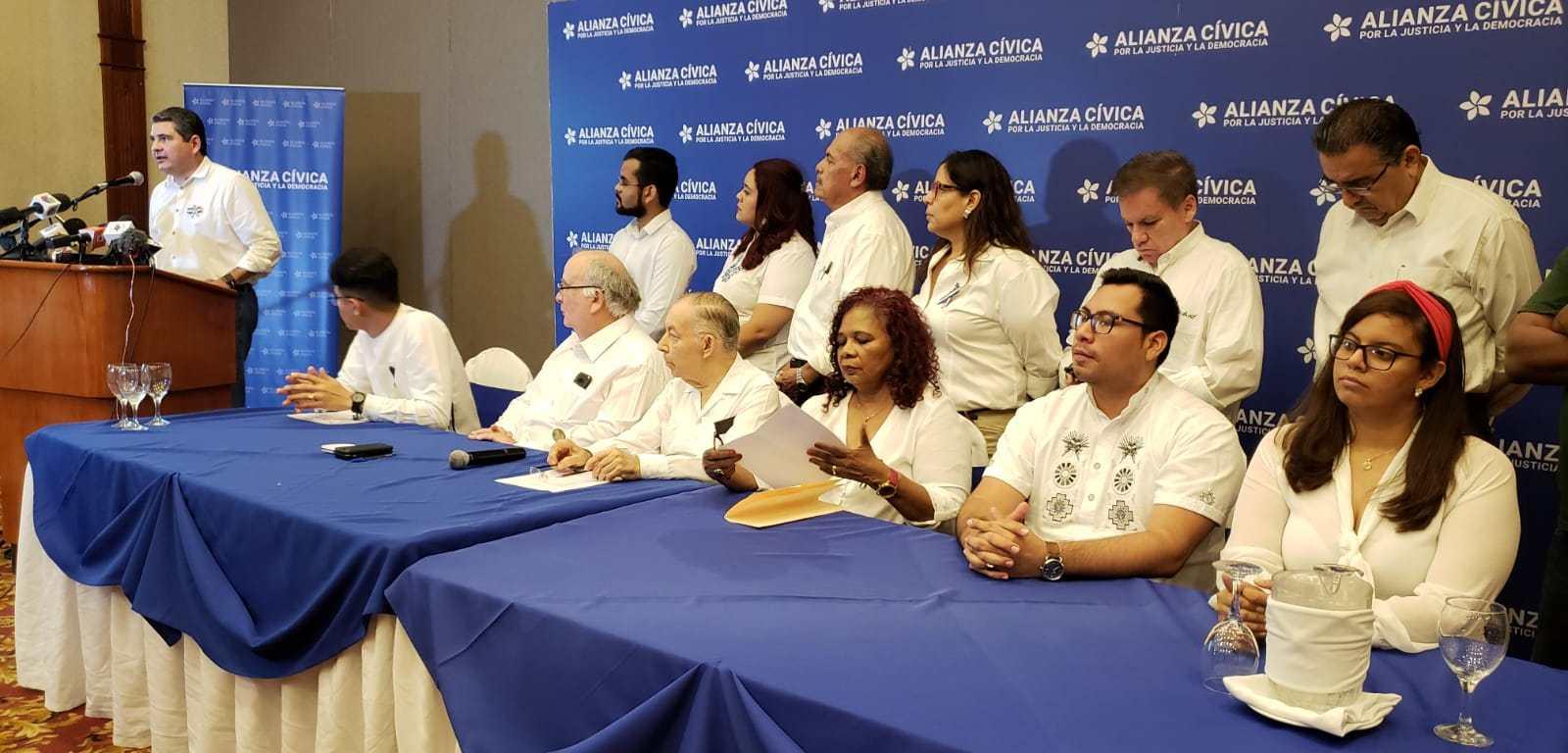 Dirigentes de la Alianza Cívica