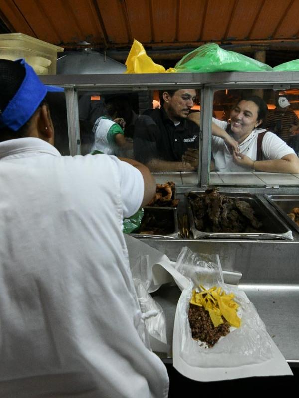 Fritanga en Managua (foto revista Niú)
