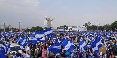 Marcha de protesta contra la dictadura de Daniel Ortega en #Nicaragua